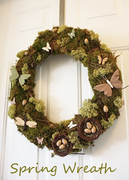 Spring Moss Wreath. Click for 40 more #DIY #Wreath Ideas