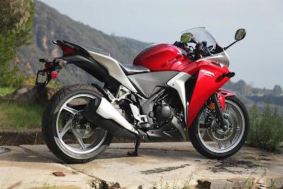 Honda CBR 250R Harga Terbaik Cuma Honda