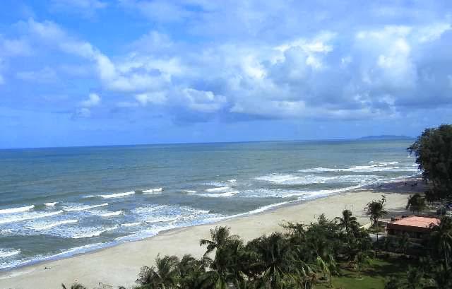 Pantai-Batu-Burok-Beach