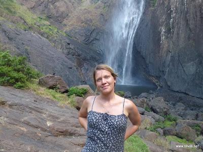Selbstauslöserfoto am Fuße der Wasserfälle