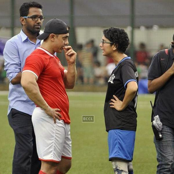 Aamir Khan chats with Kiran Rao during a charity soccer match organised by his daughter Ira Khan, at Cooperage ground, on July 20, 2014.(Pic: Viral Bhayani)