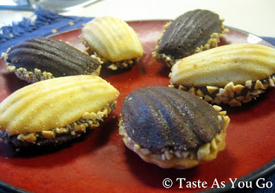 Black and White Madeleine Cookies with Nutella Filling - Photo by Taste As You Go