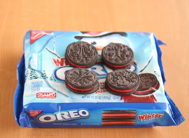 photo of a package of holiday oreos