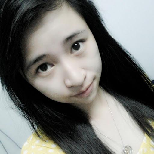 Emily Tu Photo 22