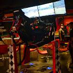 Symulator wyścigów w kinie w Orchards.