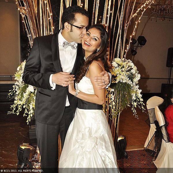 Rucha Gujrati And Mitul Sanghvi Photos Actress Navel Photo Pics