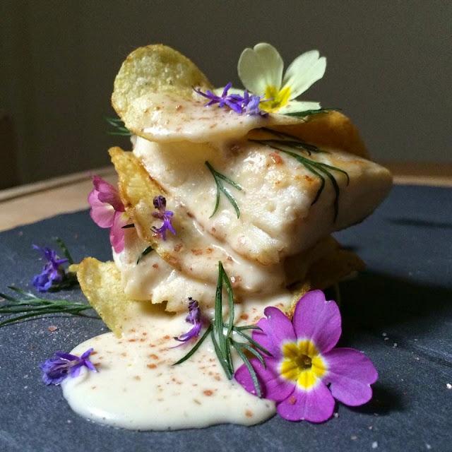 millefoglie si patate croccanti e cernia con maionese di fagioli cannellini
