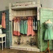К чему снится магазин одежды?