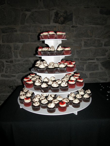 red velvet cupcakes wedding