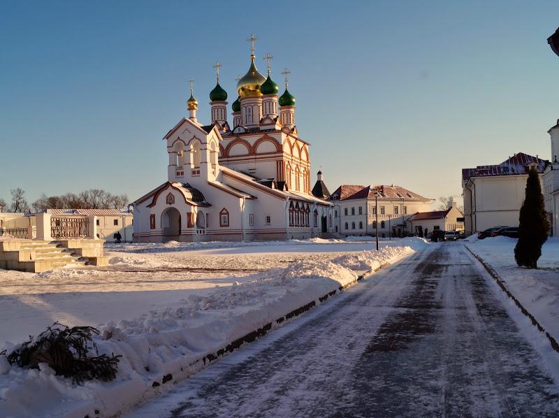 Картинки по запросу Троице-Сергиев Варницкий монастырь. зимой