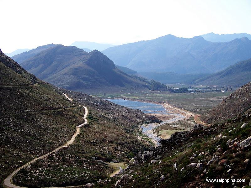 Roberstvlei and Berg River entering dam