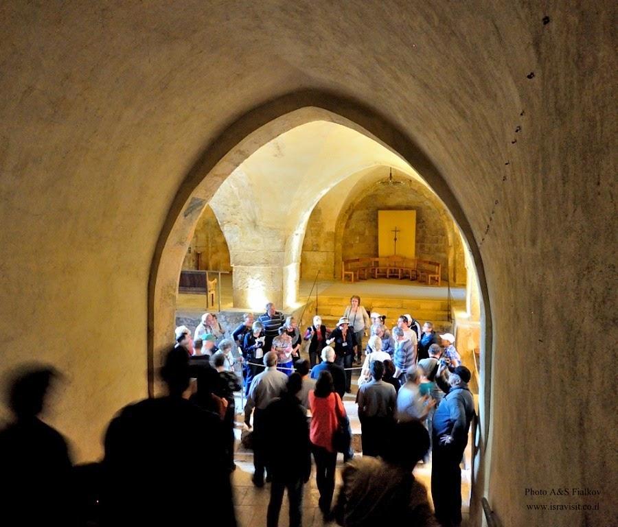 Монастырь бенедиктинцев в Абу Гош. Экскурсия Монастыри в Иудейских горах и сталактитовая пещера Сорек, гид Светлана Фиалкова.