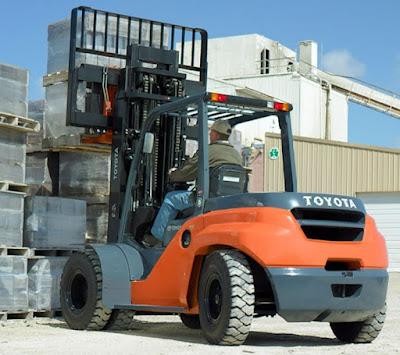 Xe nâng diesel Toyota 7 tấn