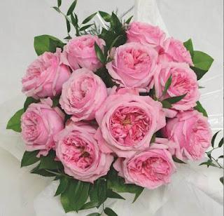 Bó hoa cưới được tạo nên từ hồng cắt cành Carey rose