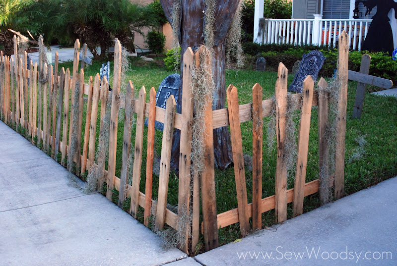 Halloween Wood Pallet Fence