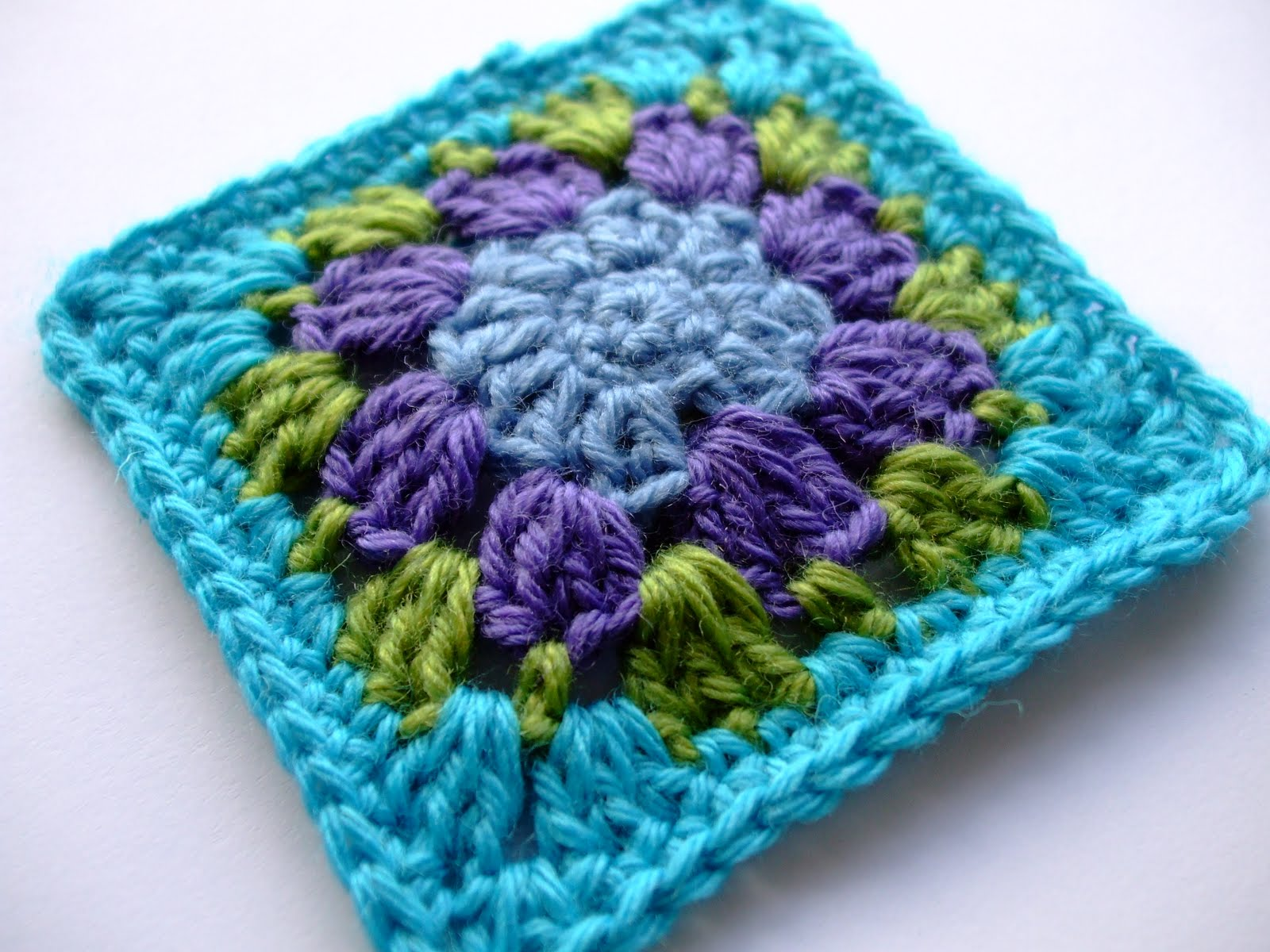 Crochet Patterns Granny Squares : eggbird designs: Nuthatch [Free Pattern]