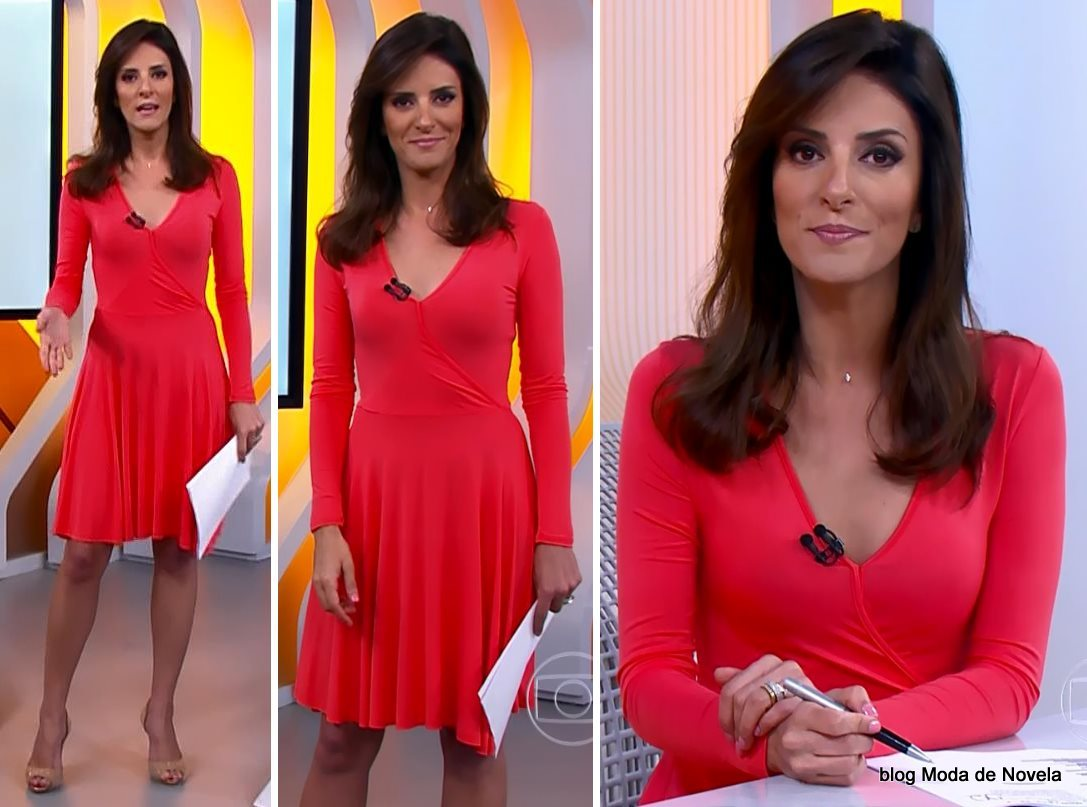 moda do programa Hora 1, vestido coral de malha da Monalisa Perrone dia 23 de dezembro