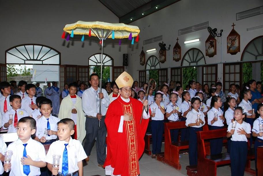 Thánh lễ Thêm Sức  tại Giáo xứ Tân Xuân.