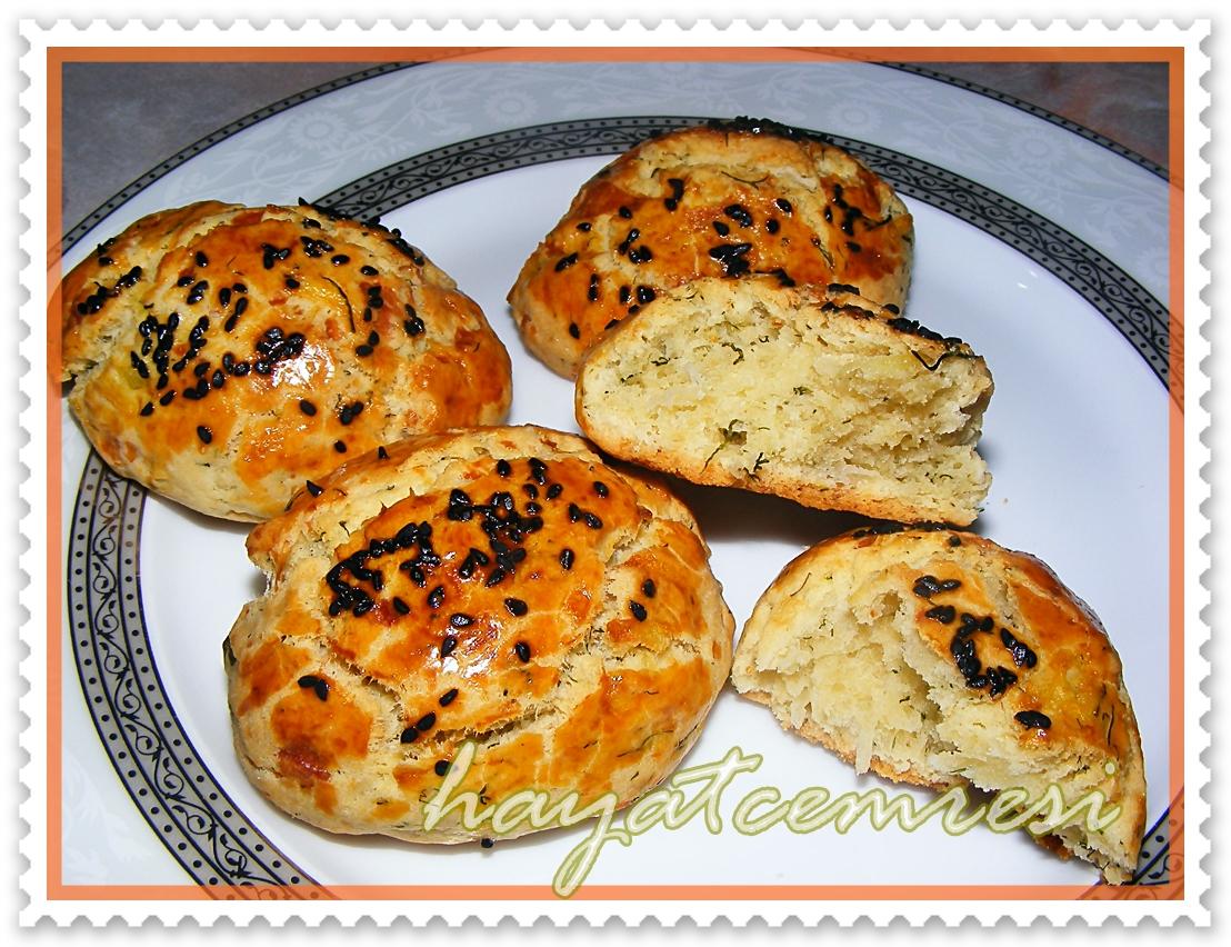 Dereotlu Mayasız Ekmek Tarifi
