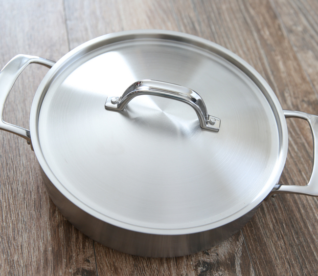 overhead photo of a Viking 5-Ply Everyday Pan with the lid
