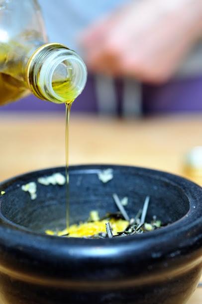 Razvan Anton condimente mojar ulei de masline