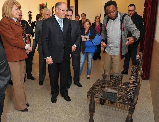 Lamego mostra esculturas de Gonçalo Mabunda feitas a partir de material bélico