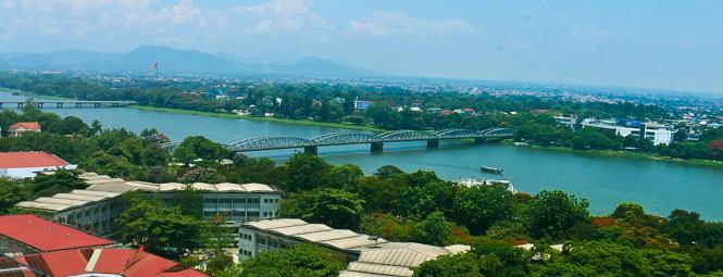 Khung cảnh sông Hương