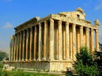 Ναός του Θεού Διονύσου στην Ηλιούπολη (Baalbek) στο Λίβανο της Ασίας. Temple of the God Dionysus in Heliopolis (Baalbek) in Lebanon Asia.