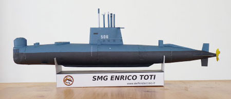 Toti Submarine Papercraft