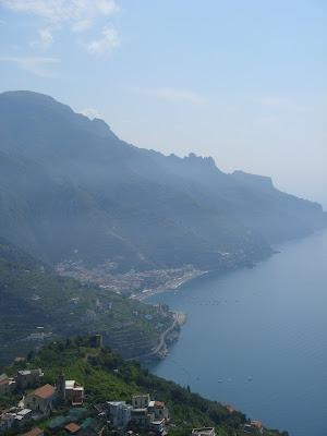 ラヴェッロから地中海を見下ろす
