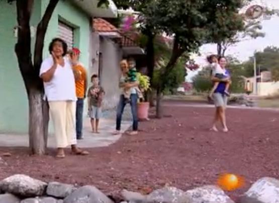 Señora bendice autodefensas en michoacan