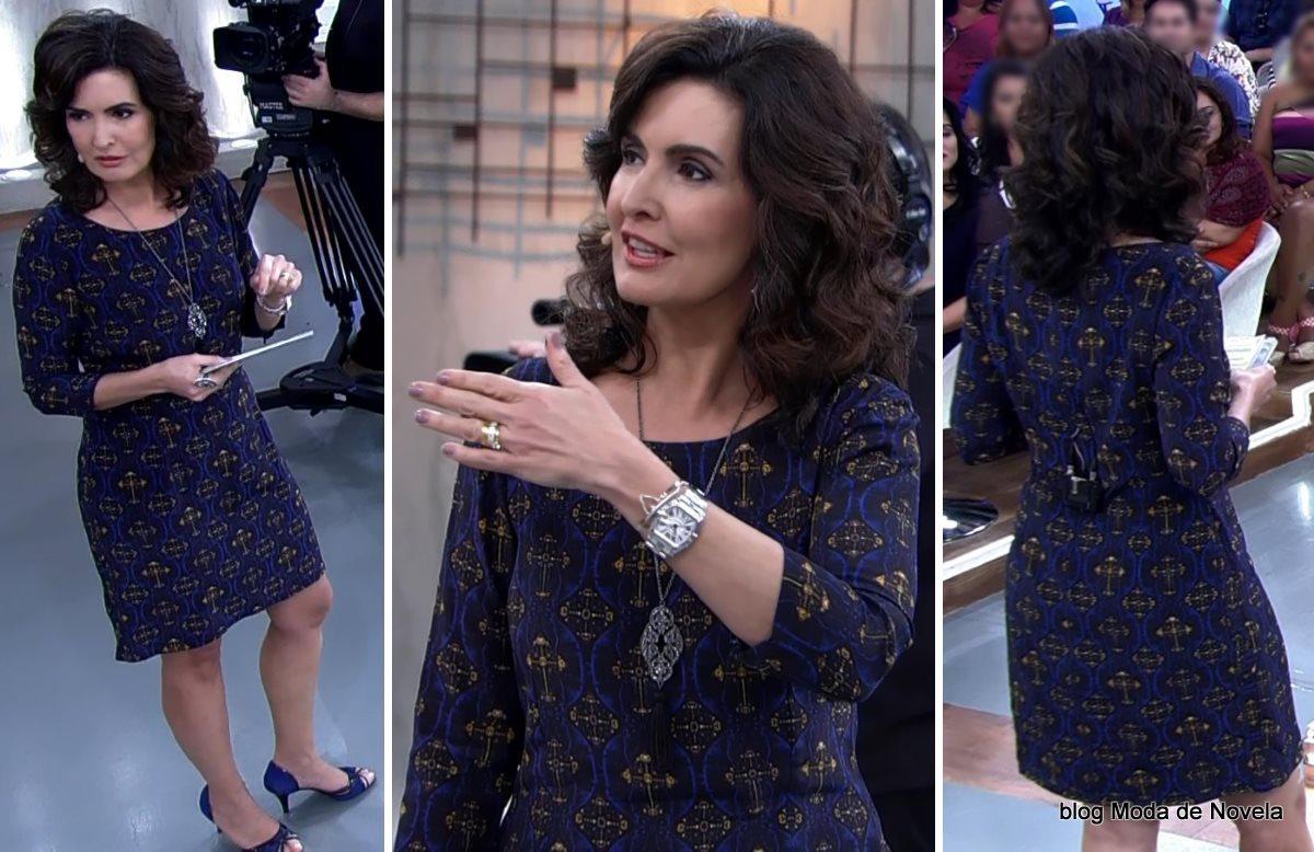 moda do programa Encontro - look da Fátima Bernardes com vestido manga longa azul estampado dia 15 de julho