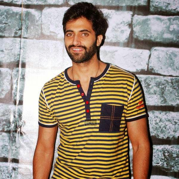 Akshay Oberoi arrives to promote his Bollywood movie Pizza 3D, held at Malad, on July 11, 2014.(Pic: Viral Bhayani)