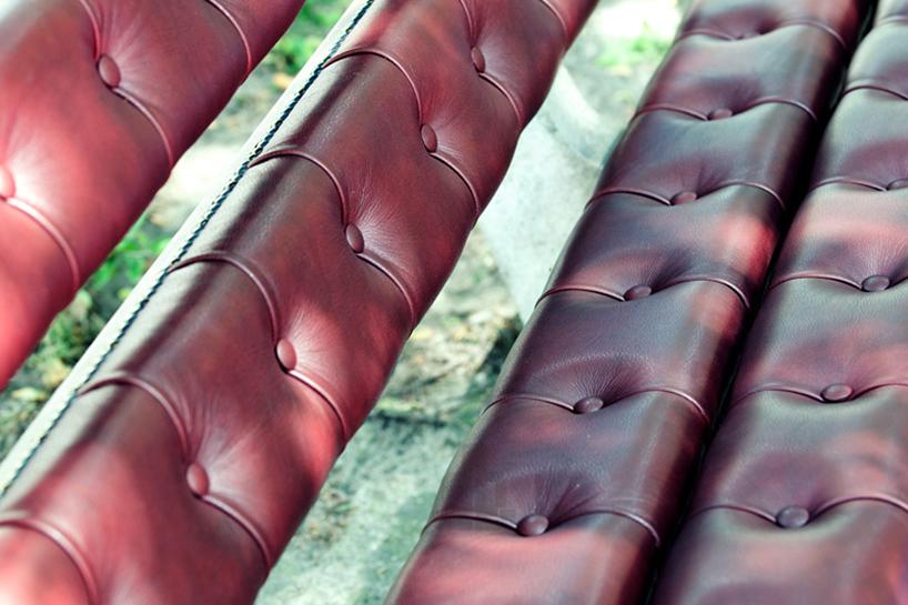 *公園裡的皮革古董長凳:切斯特菲爾德Chesterfield park bench! 4
