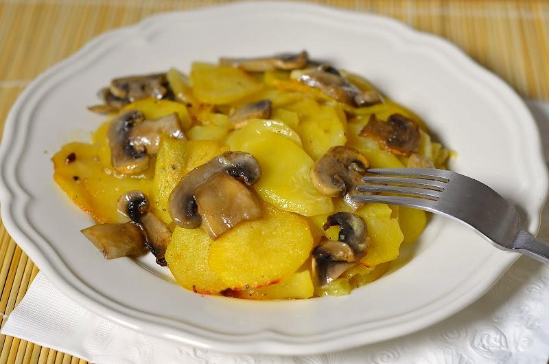 блюдо из картошки и грибов в духовке