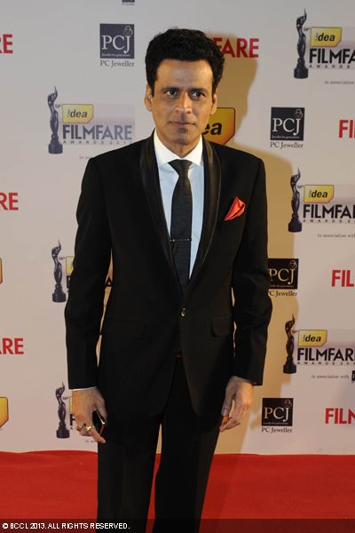 Actor Manoj Bajpayee graced the red carpet with his dynamic entry at the 58th Idea Filmfare Awards in Mumbai.Click here for:<br />  58th Idea Filmfare Awards
