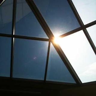 Dán phim cách nhiệt [giấy decal] chống nắng cửa kính giếng trời, mái đón
