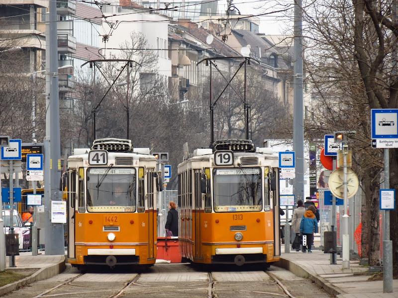 Трамваи нового поколения Витязь. Вагоны купили, а ездить не купили