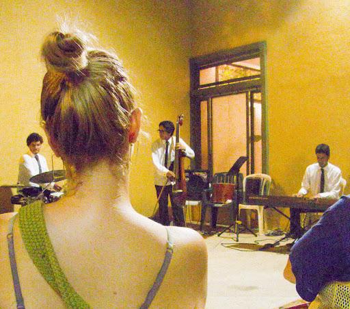 Trío DBF Jazz en el museo de arte afroamericano de Caracas