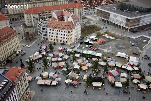 ドレスデン・上から見たクリスマスマーケット