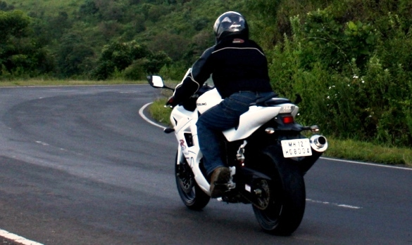 Garware-Hyosung GT650R: Ride Review | Bike Chronicles of India