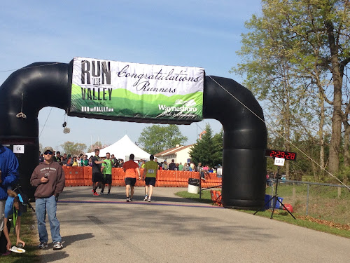 Run the Valley finish arch