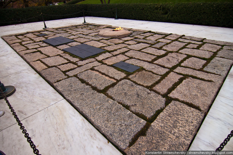 USA Virginia Washington DC Arlington Cemetery John Fitzgerald Kennedy Grave США Вирджиния Вашингтон Округ Колумбия Арлингтонское Кладбище Джон Фицджеральд Кеннеди Могила Семья
