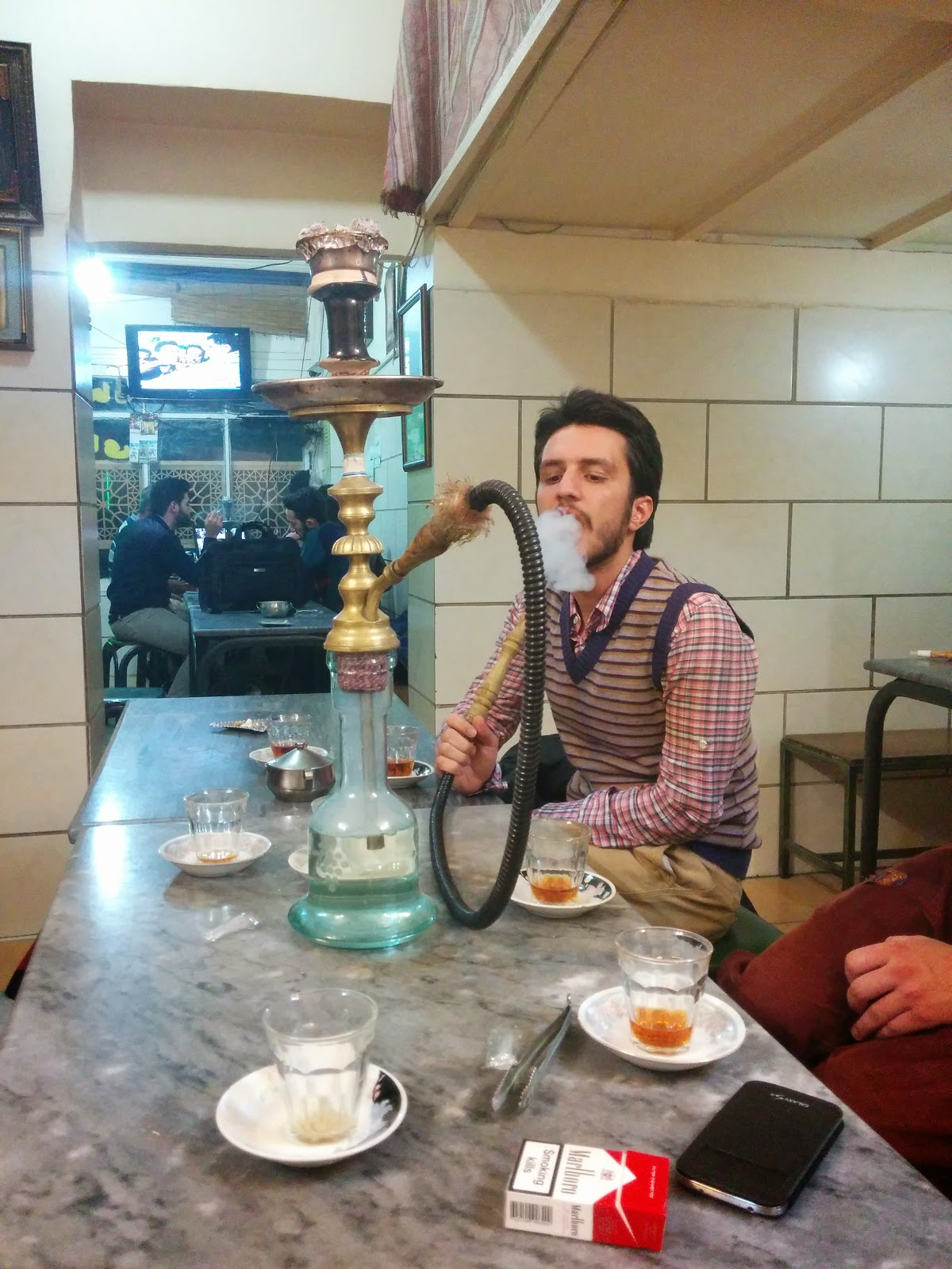Tea and Hookahs are a favorite evening past time of Iran