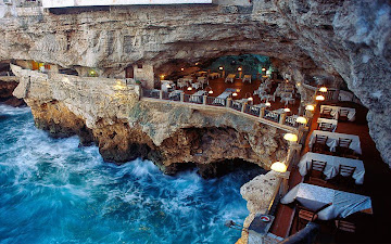 Oceanside restaurant into a grotto in italy