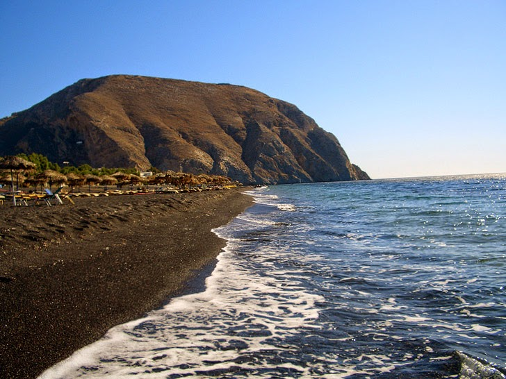 Perissa Beach, Santorini (15 Best Beaches in Greece).
