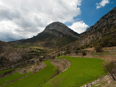 Marxant de Montanissell encara contemplem la Serra de Sant Joan i el Forat del Pitarell