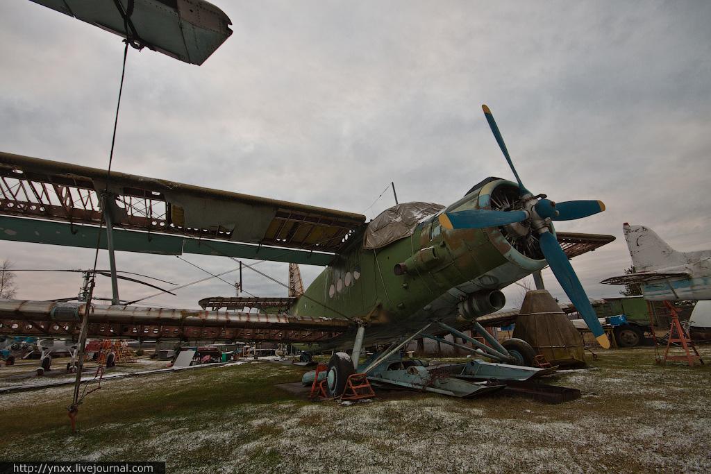 Частный музей советской авиа техники в Риги (фоторепортаж)