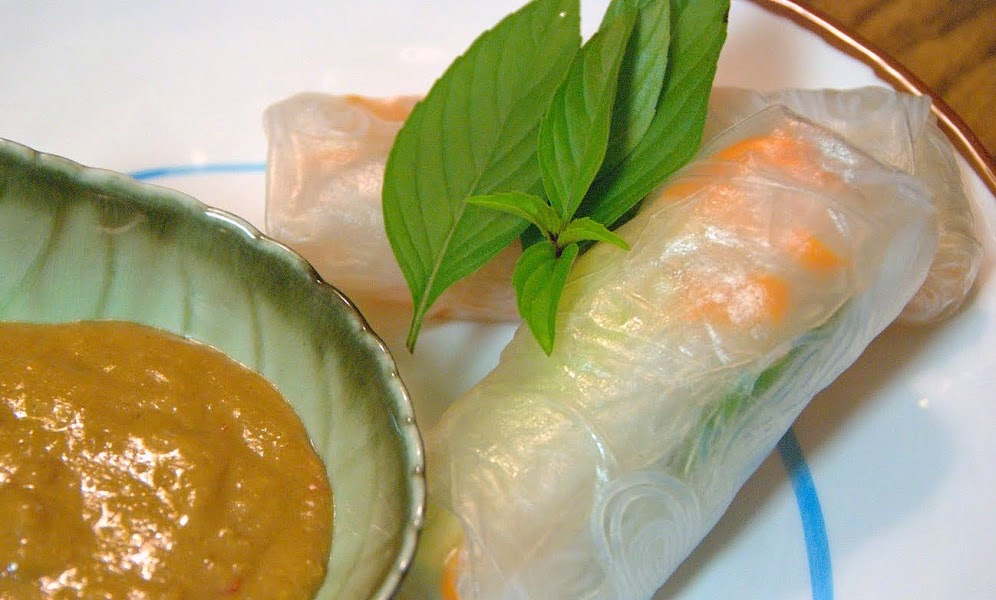 Thai Fresh Summer Rolls with Spicy Peanut Sauce