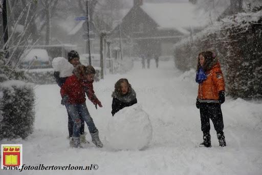 eerste sneeuwval in overloon 07-12-2012  (42).JPG